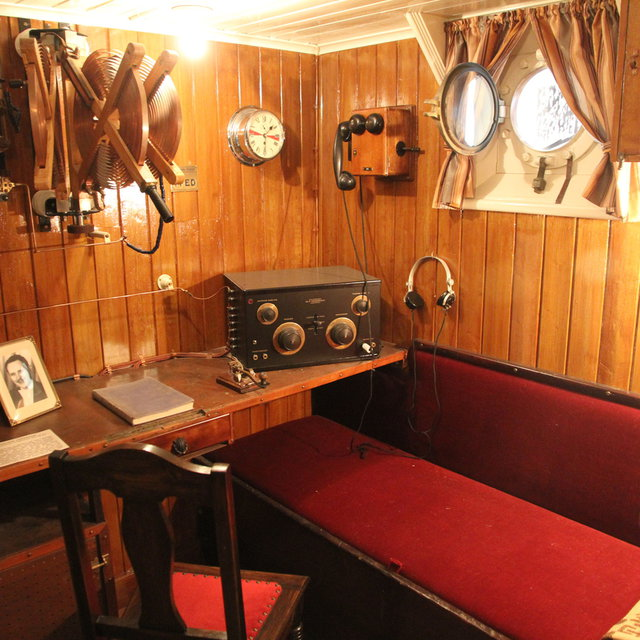 Ship cabin with radio equipment inside the ICGV Óðinn at the Víkin Maritime Museum.