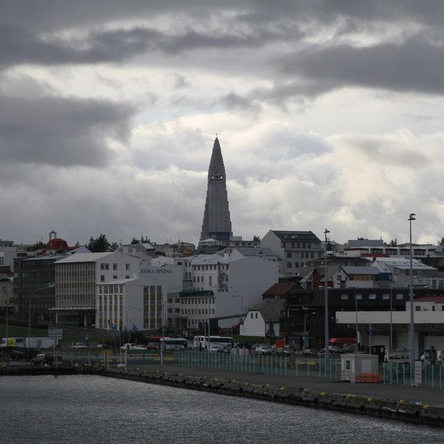 View from Reykjavík harbour onto Hallgrímskirkja.