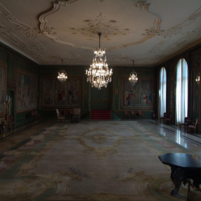 A ballroom in the Villa Hügel.