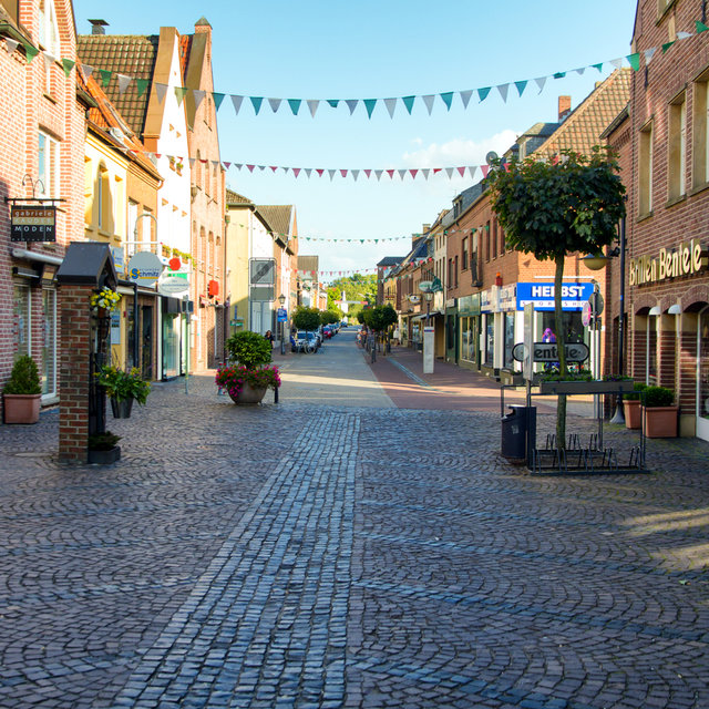 A pedestrian street in the city centre of Xanten.