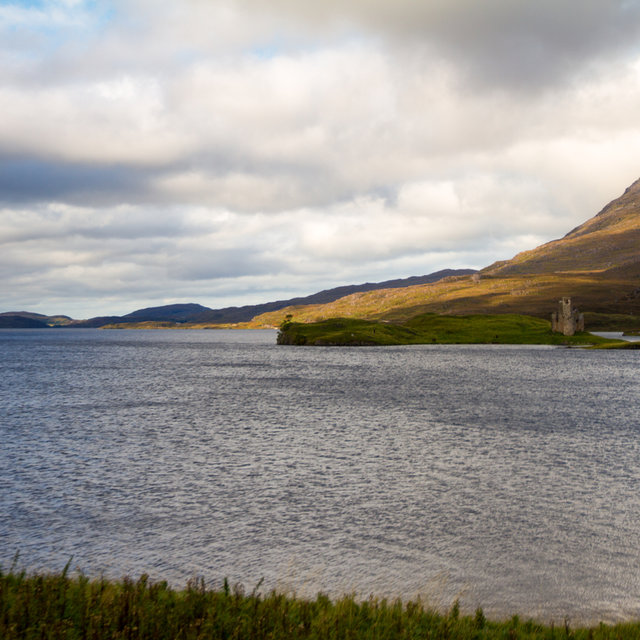 View onto Ardvreck Castle and Loch Assynt.