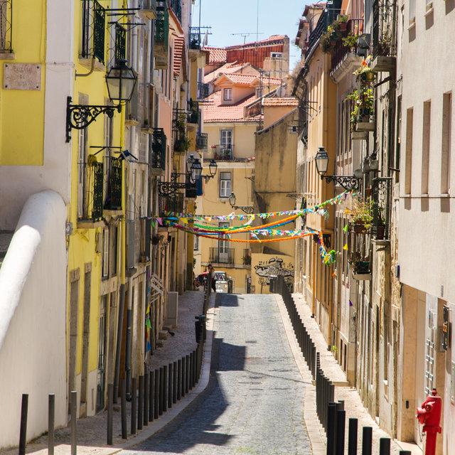 View along the Rua das Farinhas in Lisbon.