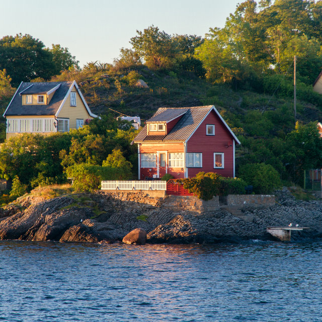 Houses on an island in the Oslofjord.