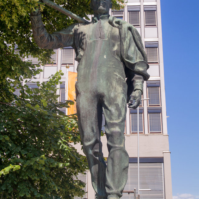 A worker statue on Youngstorget in  Oslo.