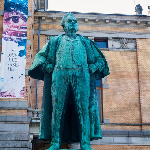 Statue of writer Bjørnstjerne Bjørnson in front of the National Theatre in Oslo.