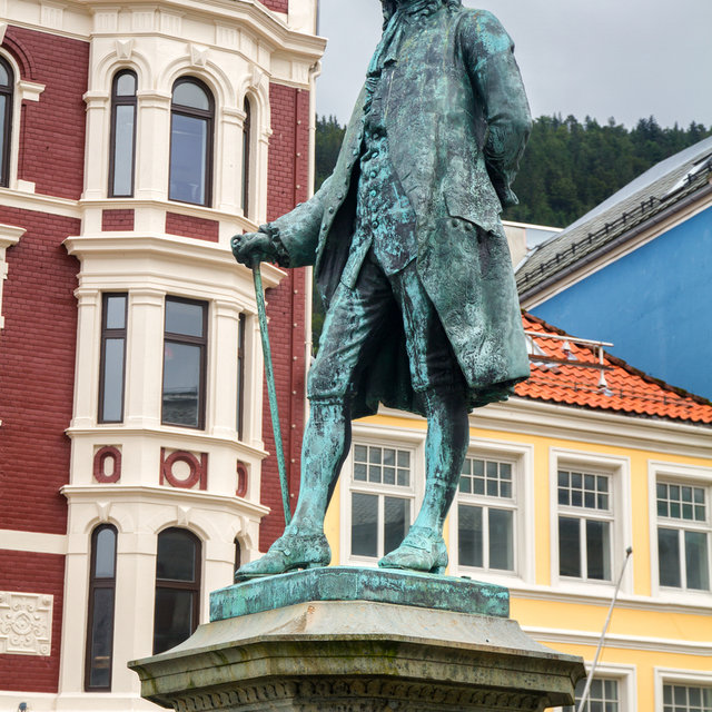 A statue of Ludvig Holberg in Bergen.